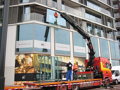 Replacing windscreen - Oosterdokseiland, Amsterdam
